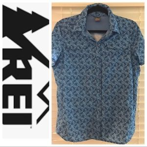 REI Outdoor/Hiking Button-Down Size Large